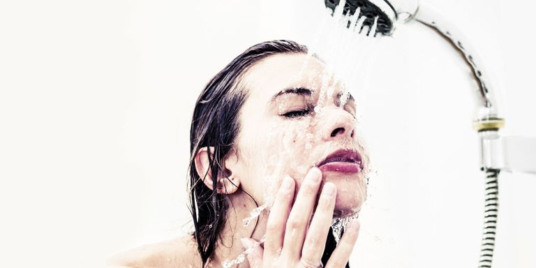 face washing tips why you should never wash your face in the shower. Black Bedroom Furniture Sets. Home Design Ideas