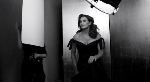 Shoulder, Style, Monochrome, Dress, Monochrome photography, Waist, Black-and-white, Model, Fashion model, Flash photography,