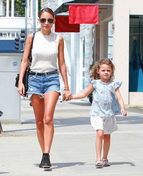 51145413 Socialite Nicole Richie does some shopping at Trico Field in Beverly Hills, California with her daughter Harlow on July 2, 2013. FameFlynet, Inc - Beverly Hills, CA, USA - +1 (818) 307-4813
