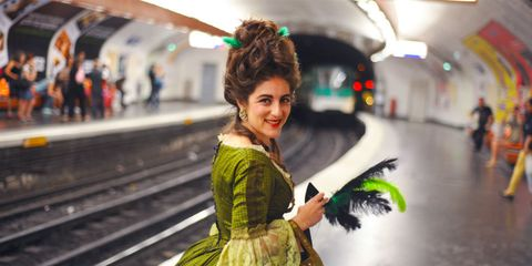 Green, Hairstyle, Style, Street fashion, Fashion, Travel, Photography, Snapshot, Feathered hair, Hair coloring,