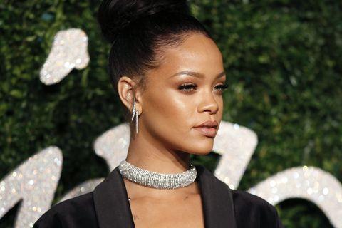 Ear, Earrings, Lip, Hairstyle, Eyelash, Style, Fashion accessory, Beauty, Fashion, Model,