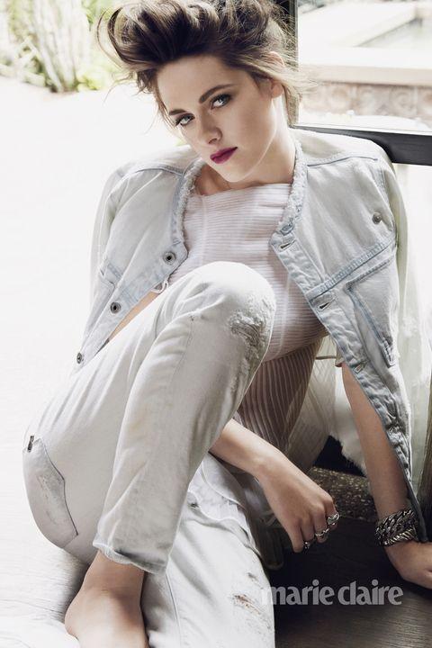 Arm, Lip, Hairstyle, Sleeve, Shoulder, Textile, Hand, Fashion model, Beauty, Fashion,