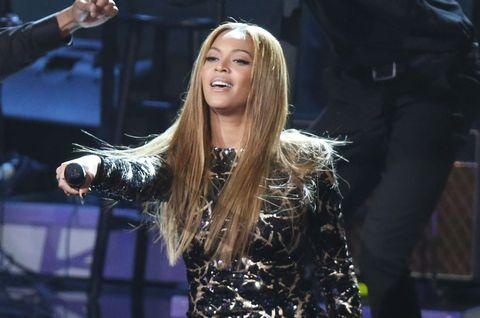 Music artist, Long hair, Blond, Singer, Singing, Layered hair, Gesture, Makeover, Day dress, Boot,
