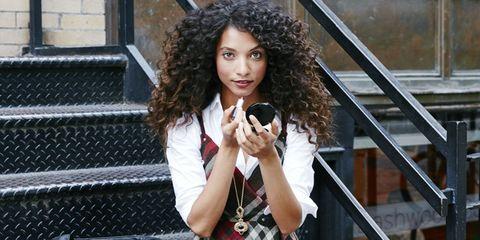 Jheri curl, Ringlet, Street fashion, Bag, Beauty, Black hair, Camera, Long hair, Mesh, Gadget,