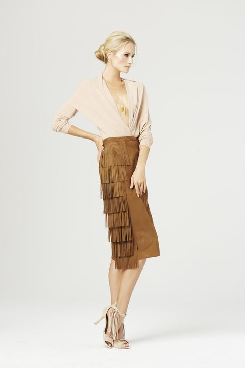 Brown, Sleeve, Human leg, Shoulder, Khaki, Textile, Joint, Standing, Style, Knee,