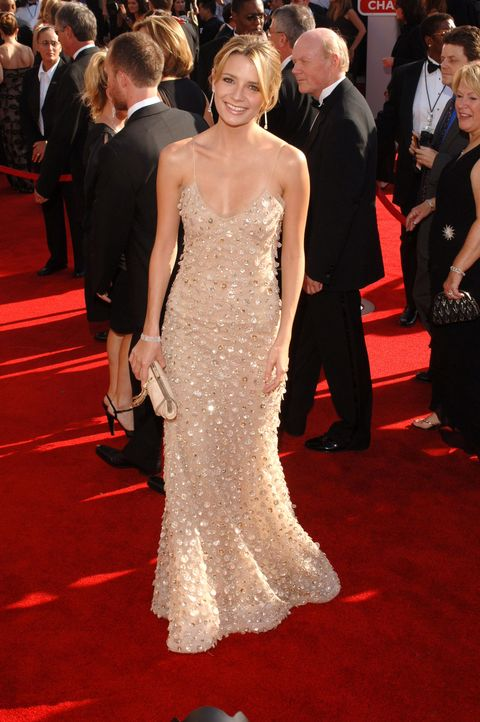 """<p>Did you just go """"Awww?"""" Because I did. Early-aughties Mischa Barton was so glowy and so chic, <em>and</em> she wore champagne Oscar de la Renta. *sigh* </p>"""