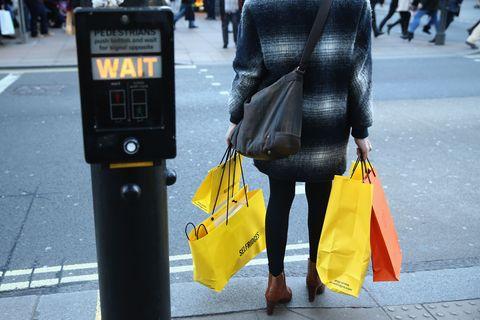 women shoplifting