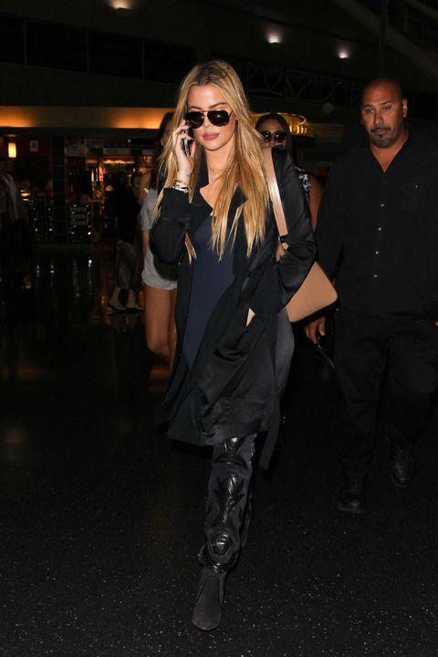 Eyewear, Vision care, Glasses, Sunglasses, Outerwear, Coat, Style, Street fashion, Fashion, Fashion model,