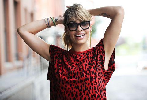 Eyewear, Glasses, Vision care, Sleeve, Shoulder, Summer, Street fashion, Fashion accessory, Fashion, Wrist,