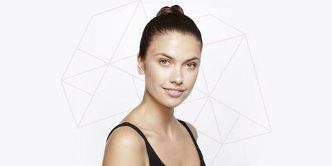 Ear, Hairstyle, Skin, Forehead, Shoulder, Eyebrow, Eyelash, Style, Jaw, Beauty,