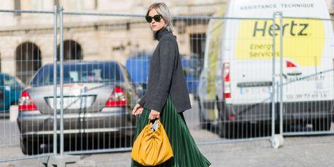 Eyewear, Vision care, Land vehicle, Bag, Sunglasses, Human leg, Goggles, Style, Street fashion, Automotive tail & brake light,