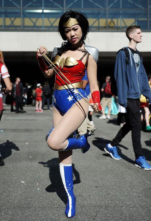 Footwear, Mouth, Human leg, Shoe, Fictional character, Costume, Cosplay, Superhero, Thigh, Costume design,