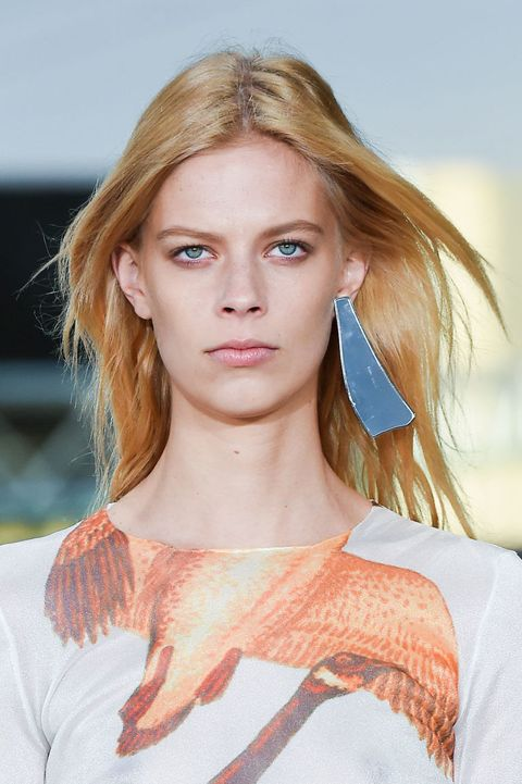 <p>An inconspicuous little ear jacket is nice and all, but a single science-lab microscope slide like they showed at Loewe is so much more impactful. Plus you get a built-in backup if you're that person who can never find an earring back. </p>