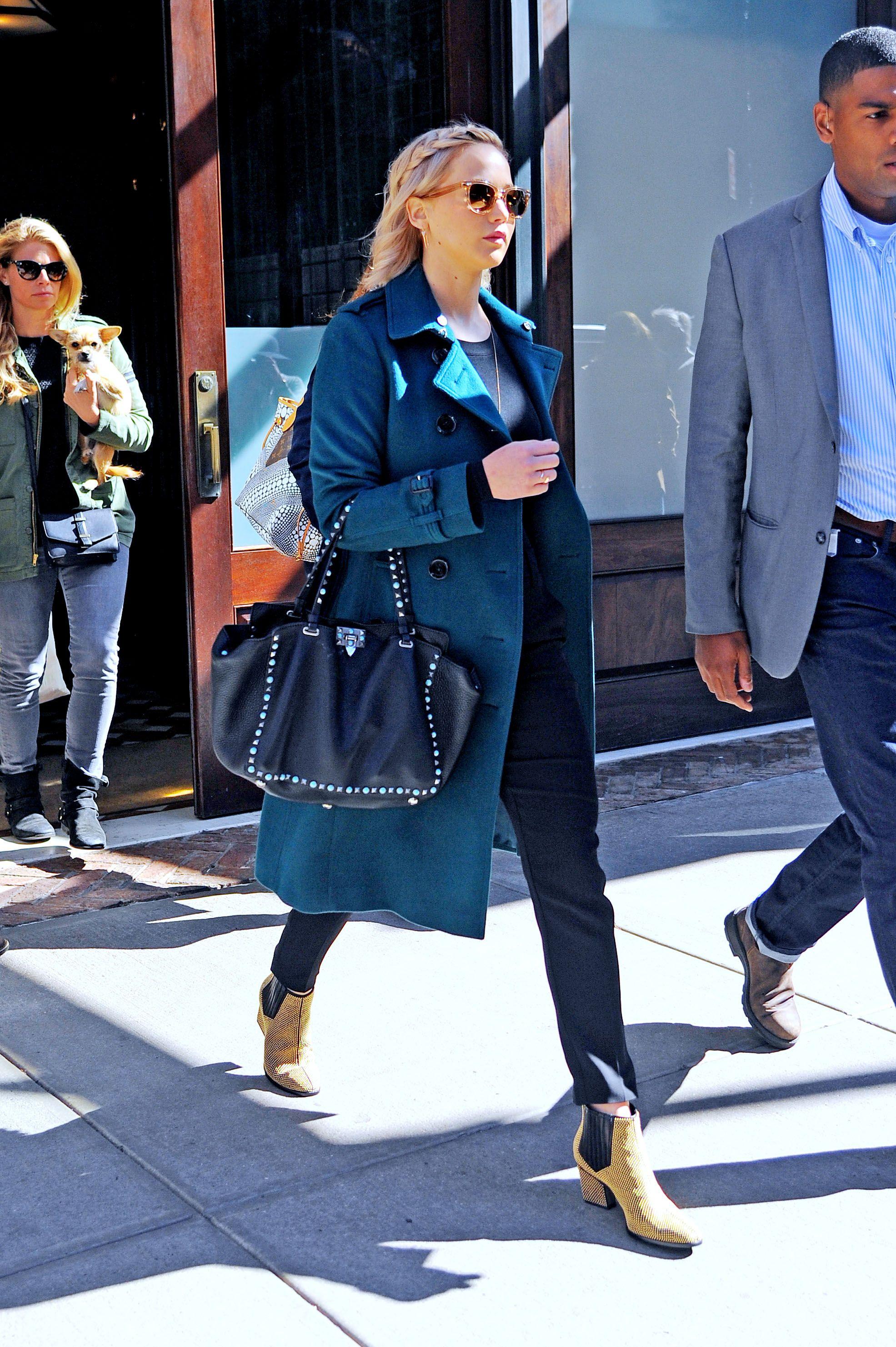 546e3096a5 Jennifer Lawrence Street Style - Jennifer Lawrence Best Looks