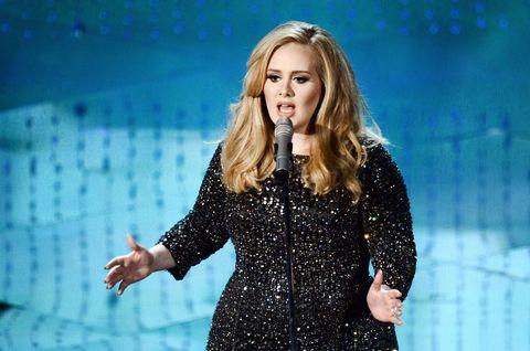 Audio equipment, Microphone, Hand, Music artist, Performance, Singing, Singer, Long hair, Blond, Public event,