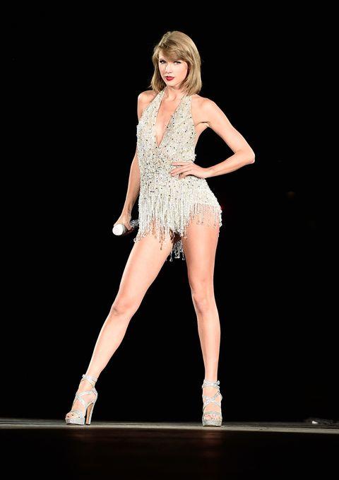Shoe, Human leg, Fashion, Fashion model, Knee, Waist, Stage, Thigh, High heels, One-piece garment,