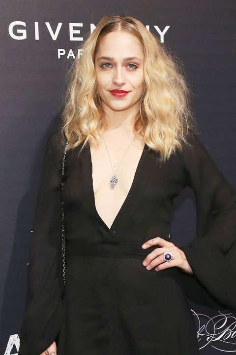 "<p>Kirke debuted her <a href=""http://www.marieclaire.com/beauty/news/a16559/jemima-kirke-topless-haircut/"" target=""_blank"">newly-chopped lob</a> and embraced the event's gothic theme in a Morticia Addams-esque black gown boasting a deep-V. She accented the décolletage-baring look with a long strand pendant necklace.</p>"