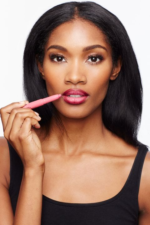 "<p>Fill in the center with a lighter and brighter shade of lipstick (such as <a href=""http://www.amazon.com/Maybelline-New-York-Studio-Color/dp/B00YJJXC7G/ref=sr_1_1?ie=UTF8&qid=1447101424&sr=8-1&keywords=maybelline+color+blur"" target=""_blank"">Maybelline Color Blur in I'm Blushing!</a>). Other color combos Sotomayor likes on lips? Red liner and plum lipstick or nude liner and dark brown lipstick.</p>"