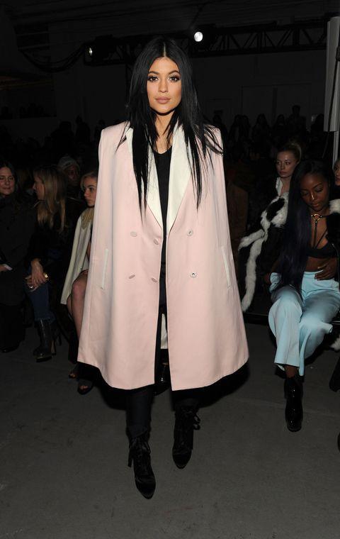 Footwear, Fashion show, Coat, Outerwear, Style, Fashion model, Runway, Street fashion, Jacket, Fashion,