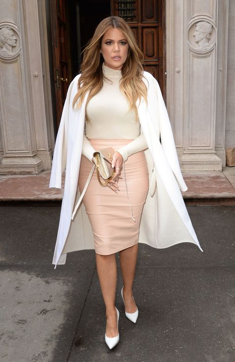 Clothing, Shoulder, Textile, Joint, White, Human leg, Style, Dress, Door, Fashion model,