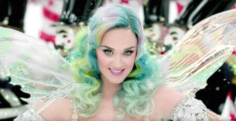 Mouth, Hairstyle, Eye, Eyebrow, Pink, Eyelash, Beauty, Aqua, Turquoise, Jewellery,