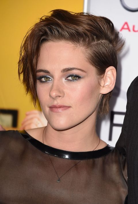 <p>Stewart rocks a frosty blue shadow to offset her neutral pink lips.</p>