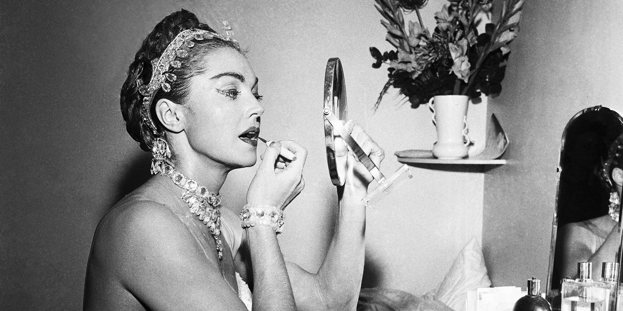 Old Hollywood Makeup Secrets From