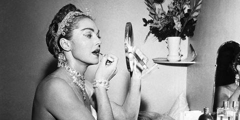 Flowerpot, Bridal accessory, Hair accessory, Monochrome photography, Body jewelry, Headpiece, Still life photography, Artwork, Portrait, Vase,