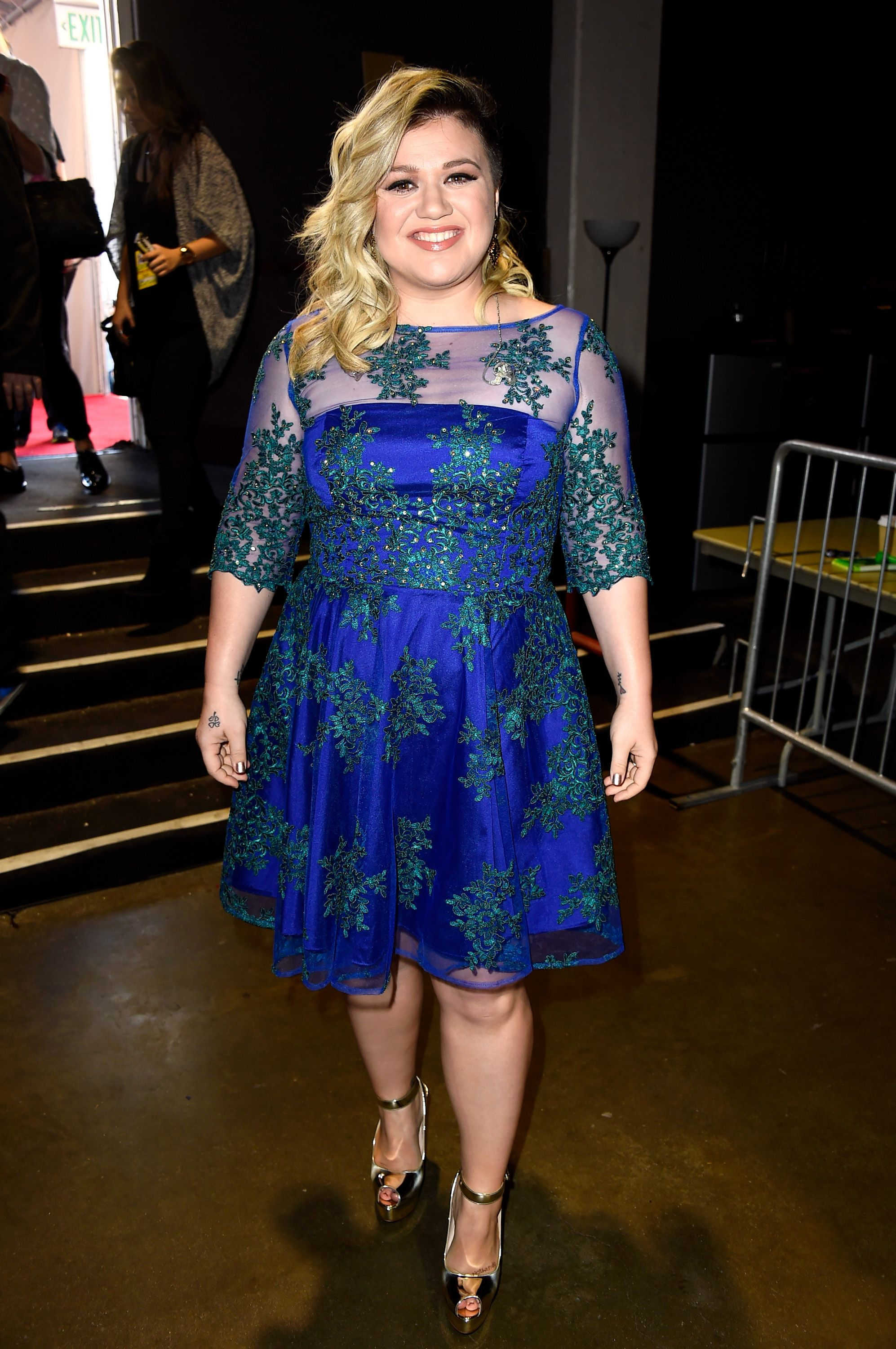 See Kelly Clarkson\'s Epic Game of Thrones Christmas Card