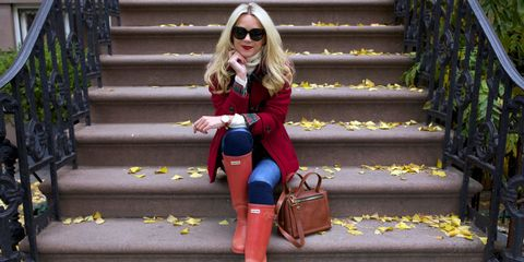 Clothing, Eyewear, Glasses, Stairs, Vision care, Brown, Sunglasses, Bag, Textile, Red,