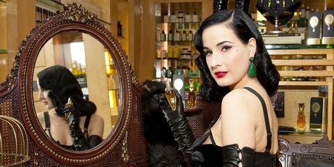 Hairstyle, Black hair, Eyelash, Eye liner, Mirror, Fashion, Fur, Earrings, Long hair, Interior design,