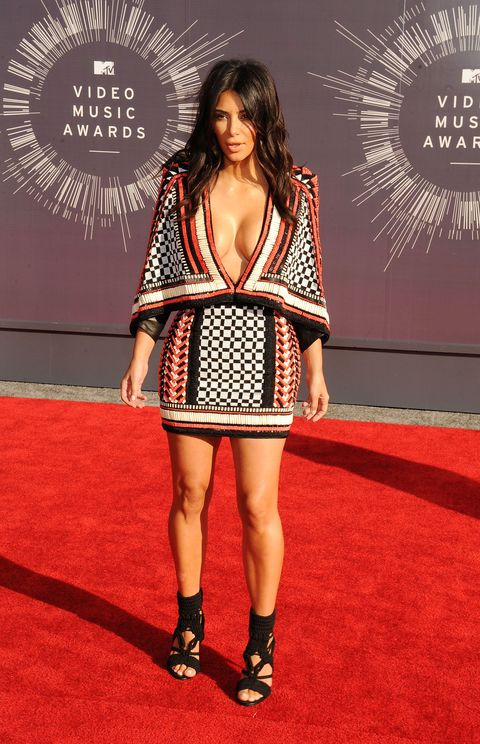 <p>No, this isn't a skirt and matching blanket. It's a Balmain cape, mmmkay?</p>
