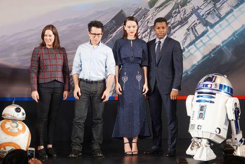Trousers, Dress shirt, Shirt, R2-d2, Collar, Plaid, Dress, Tartan, Luggage and bags, Fictional character,