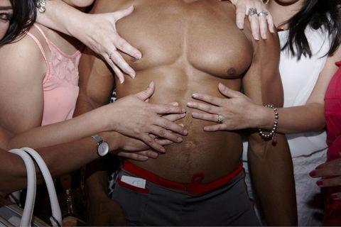 Wrist, Fashion accessory, Stomach, Abdomen, Trunk, Organ, Navel, Undergarment, Bracelet, Waist,