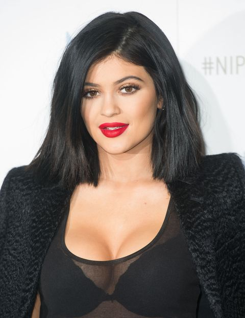Kylie Jenner Blows Vape Smoke Rings, Is Basically Gandalf