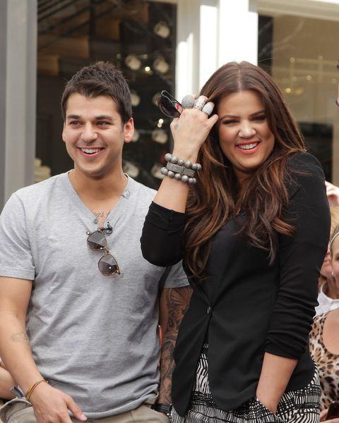 Arm, Fashion accessory, Wrist, Necklace, Street fashion, Brown hair, Body jewelry, Long hair, Bracelet, Laugh,