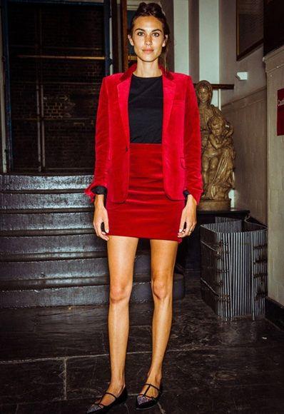 Clothing, Human leg, Shoulder, Style, Dress, Fashion model, Fashion, Lipstick, Knee, Street fashion,