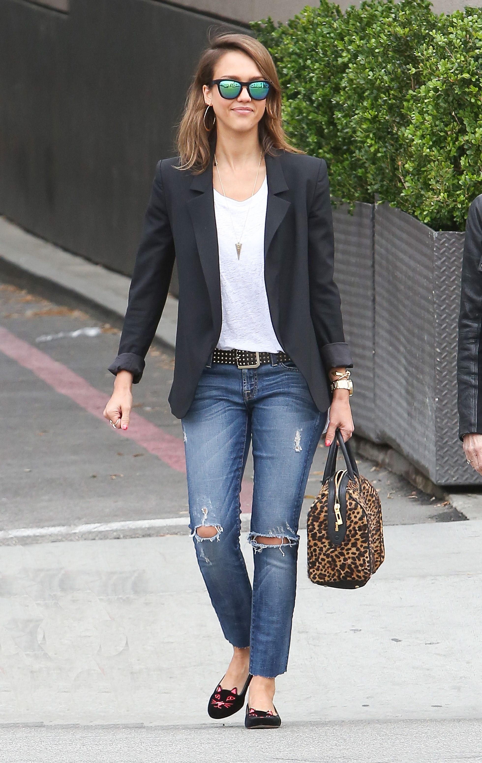 Jessica Alba Enters Fashion World with Jeans