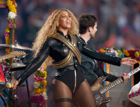 Musical instrument, Performing arts, Musician, Entertainment, Music artist, Guitar, Performance, Musical instrument accessory, Guitarist, Artist,