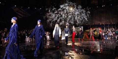 Stage, Darkness, Costume design, Midnight, Artist, Performance art, Drama, heater, Costume, Holiday,