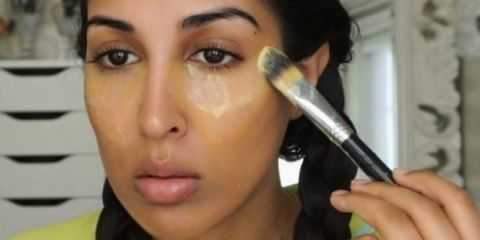 Watch This Woman Hide Her Under-Eye Circles with Turmeric