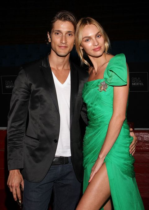 fbd90822cec Candice Swanepoel Pregnant Model Expecting First Child with Fiancé ...
