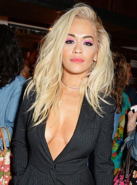 Lip, Hairstyle, Eyelash, Fashion accessory, Jewellery, Fashion, Body jewelry, Blond, Camera, Bag,