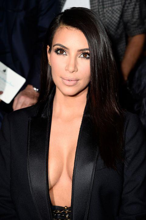 Lip, Hairstyle, Coat, Eyelash, Collar, Black hair, Fashion, Blazer, Step cutting, Leather,