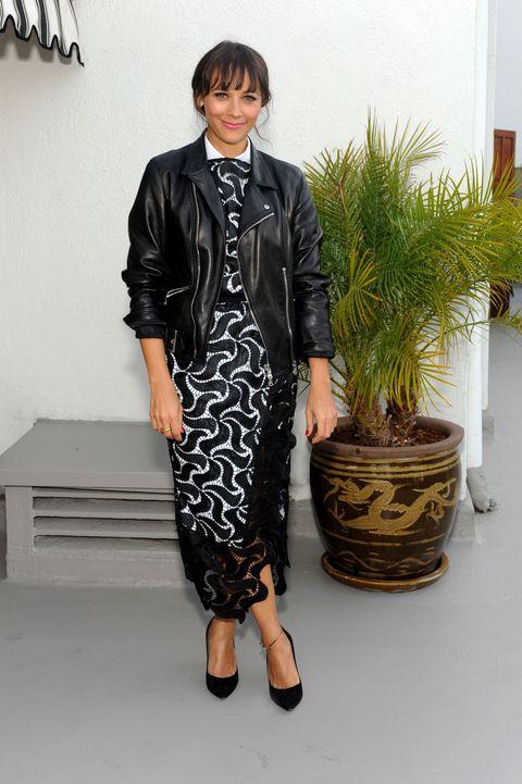 Clothing, Sleeve, Shoulder, Flowerpot, Collar, Style, Fashion, Street fashion, Dress, Bag,