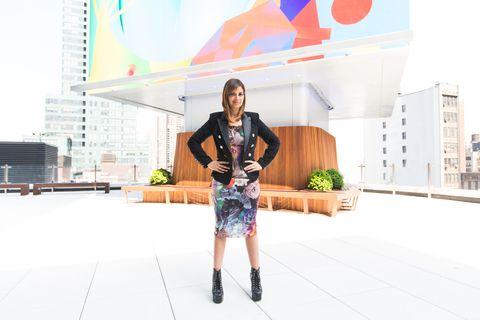 Street fashion, Bag, Urban design, Tower block, Commercial building, Condominium,