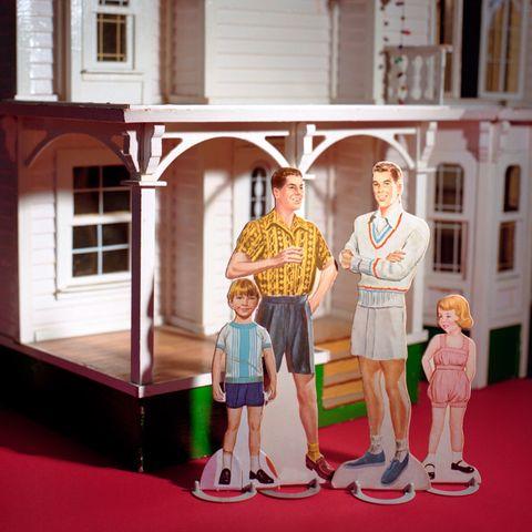 House, Home, Molding, Vintage clothing, Dollhouse, Carpet, Toy, Shelf, Figurine,