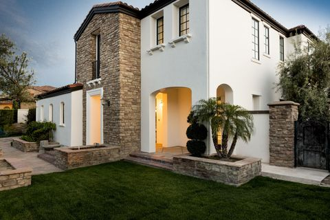 Plant, Property, House, Residential area, Real estate, Home, Building, Land lot, Facade, Garden,