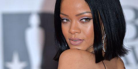 Lip, Hairstyle, Skin, Chin, Shoulder, Eyebrow, Eyelash, Joint, Black hair, Beauty,