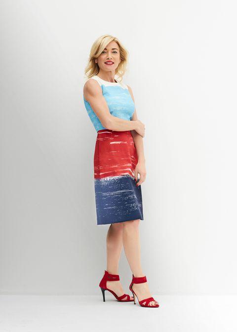 Clothing, Blue, Sleeve, Shoulder, Joint, Human leg, Standing, Bag, Style, Knee,